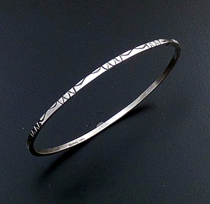 Tahe (Navajo) - Stamped Sterling Silver Square Wire Bangle Bracelet #26797 $40.00