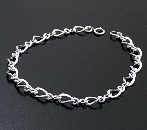 Figure Eight Sterling Silver Chain Bracelet #43081 $30.00