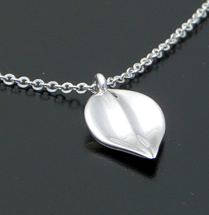 "Zina - 17"" Sterling Silver Chain & Leaf Pendant Necklace #40848 $90.00"
