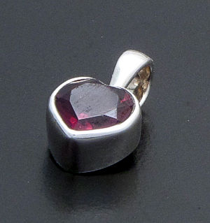 acleoni - Small Heart Shaped Faceted Garnet & Sterling Silver Pendant #3745 $55.00